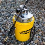 SMK SPRAYERS – P100A SPRAYER Top View with sprayer wand and bucket